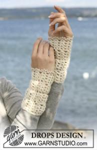 Crochet DROPS Pulse Warmers ~ DROPS Design