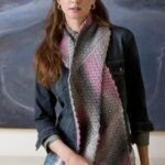 Shaded Triangle Magic Scarf – Andee Graves – Red Heart