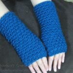 Moss Stitch Finger Less Gloves ~ Meladora's Creations