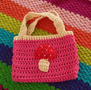 Apple Bag Pattern by Annemarie's Crochet Blog