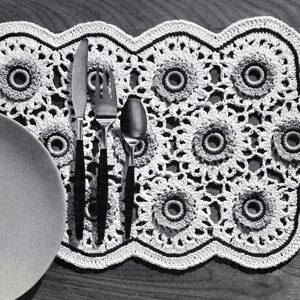 Bone Ring Blossoms Place Mat ~ Free Vintage Crochet