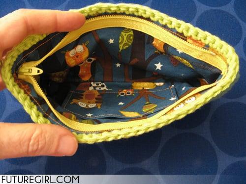 Make a Zippered Lining for the Lucky Wristlet ~ Futuregirl