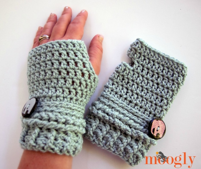 Ups and Downs Crochet Fingerless Gloves ~ Moogly