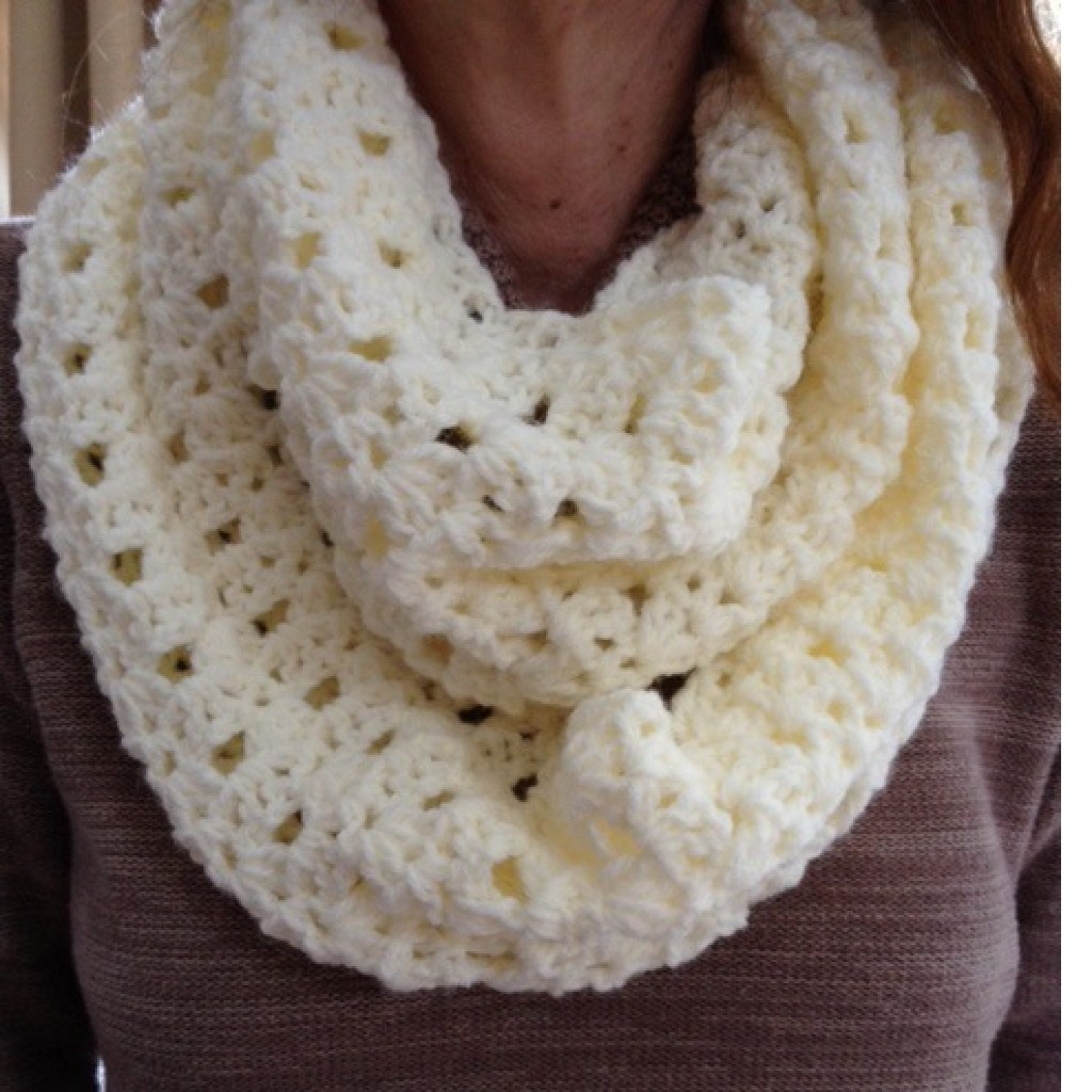 Crochet Patterns Infinity Scarf : Lacy Infinity Scarf ~ Barbs Crochet Patterns - Crochet Pattern ...