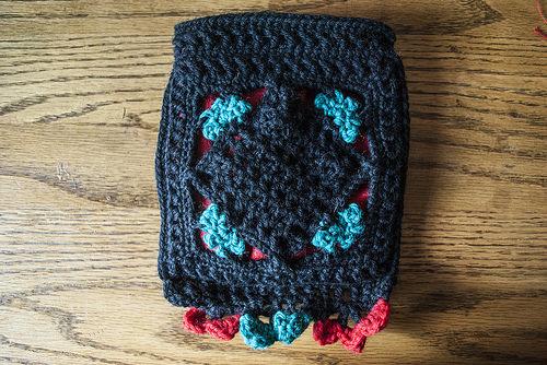How to Line a Crochet Bag by Crochet Kitten