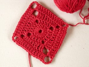 Expanding Diamond Motif by Amy Lynn Yarbrough for Crochet Spot