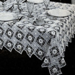 New Angles Tablecloth ~ Free Vintage Crochet
