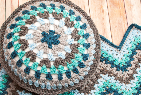 Round Granny Crochet Pillow by Petals to Picots