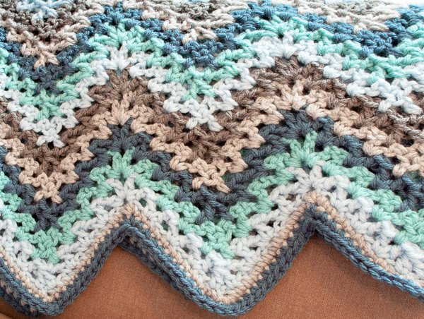 V-Stitch Crochet Ripple Afghan by Petals to Picots