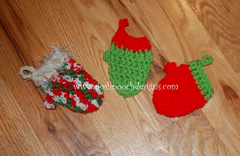 Free Crochet Pattern For Mini Christmas Tree : Mitten Christmas Tree Ornaments ~ FREE Crochet Pattern
