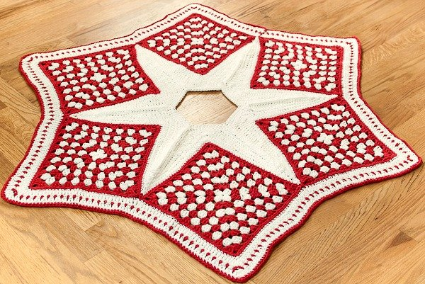 crochet christmas tree skirt part 1 the grannies petals to picots - Christmas Tree Skirts Patterns