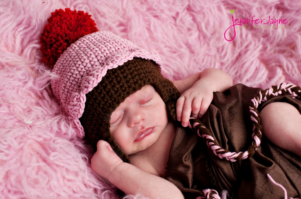 Cupcake Crochet Hat ~ Jenny and Teddy