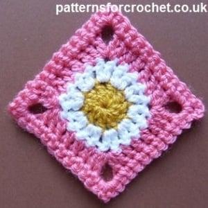 A Simple Granny Square ~ FREE Crochet Pattern