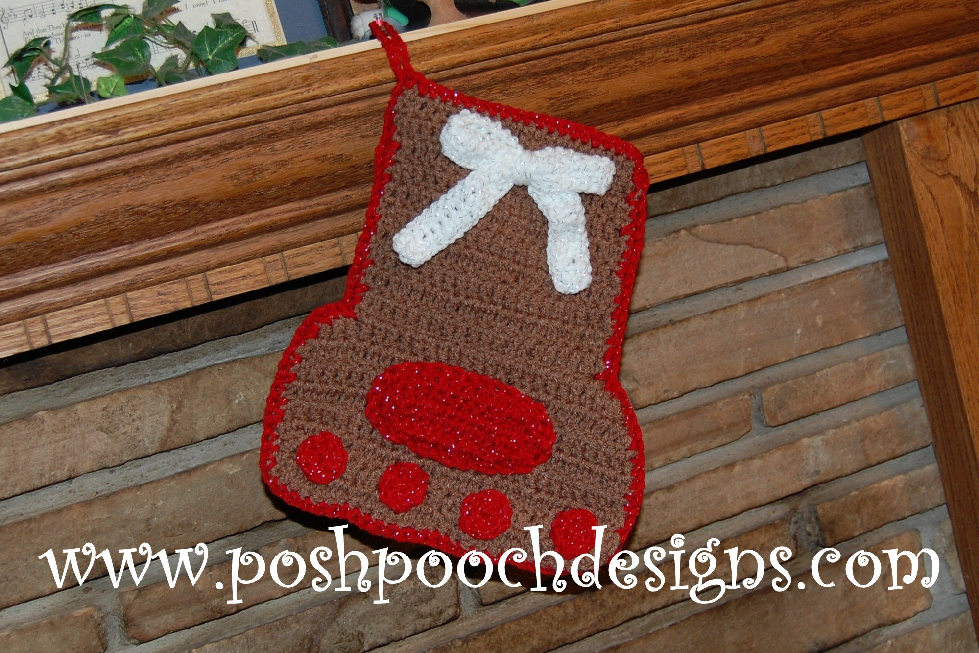 Paw Print Christmas Stocking ~ FREE Crochet Pattern
