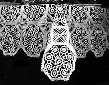Tablecloth Pattern No. 2802 ~ FREE Vintage Crochet