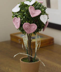 Affaire Heart Topiary ~ Linda Cyr - Red Heart