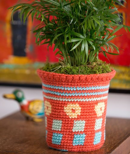 Tapestry Flower Pot Cozy ~ Nirmal Kaur Khalsa - Red Heart