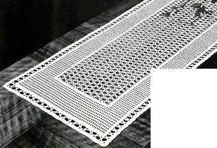 Lacet Table Runner Free Crochet Pattern