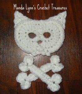 Kitty Skull n Bones Applique ~ Manda Proell - MandaLynn's Crochet Treasures