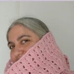 Pinky Circle Scarf ~ Underground Crafter