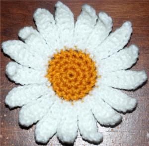 Crochet Daisy Flower ~ Amy - Crochet Jewel
