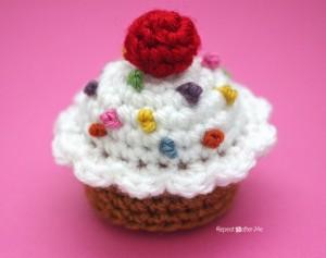 Cupcake ~ Repeat Crafter Me