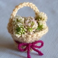 Doll Basket ~ Crochet Spot