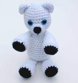 Klondike the Snow Bear ~ Rhondda Mol - Stitch & Unwind