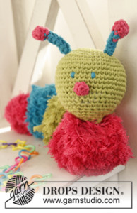 Caterpillar with Pompoms ~ DROPS Design
