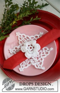 Christmas Doily with Serviette Ring ~ DROPS Design