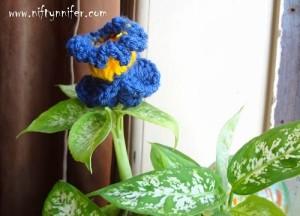 Funky Flower Friday Week 6 ~ Jennifer Gregory - Niftynnifers's Crochet & Crafts