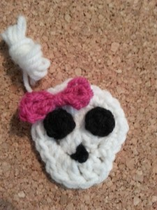 Easy Girly Skull with Bow Applique ~ Niki Wyre - cRAfterChick.com