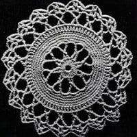 The Star Wheel Tablecloth ~ Free Vintage Crochet