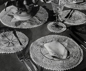 The English Daisy Luncheon Set ~ Free Vintage Crochet