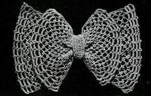 Irish Mesh Bow ~ Free Vintage Crochet