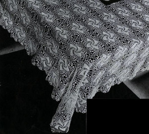 Colony Club Tablecloth ~ Free Vintage Crochet