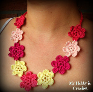 Flower Necklace - Hawaiian Dream ~ My Hobby is Crochet
