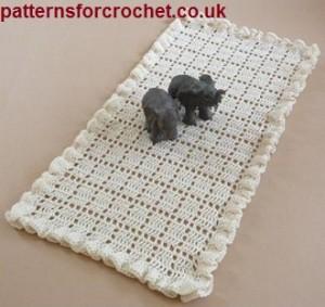 Frilled Table Runner ~ Patterns For Crochet