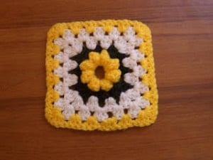 Bobble Flower Square ~ Age's Crochet Pages