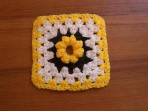 Bobble Flower Square ~ Age's Crochet Pages