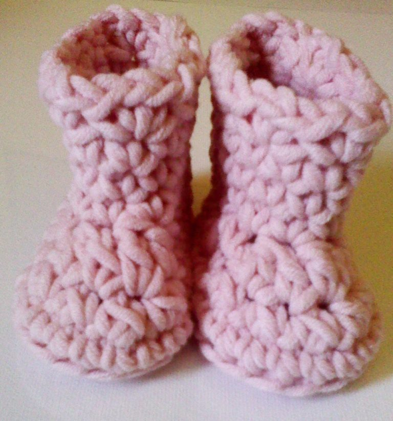 Chunky Newborn Baby Booties ~ FREE Crochet Pattern