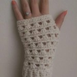 Lazy Daisy Fingerless Gloves ~ Dorianna Rivelli - The Lavender Chair