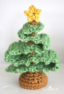 3D Crochet Christmas Tree ~ Repeat Crafter Me