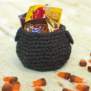 Cauldron Halloween Crochet Pattern ~ Petals to Picots