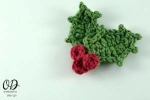 Holly Leaves ~ Oombawka Design