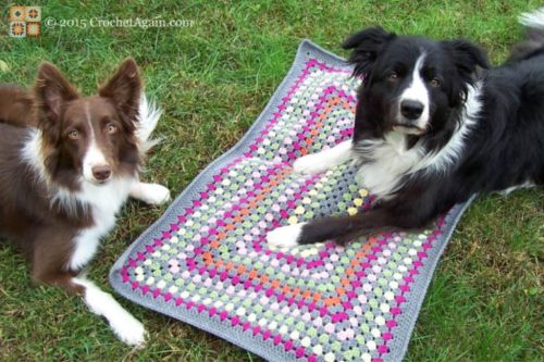 Free Crochet Pattern Pet Mat : Granny Rectangle Dog Mat ~ FREE Crochet Pattern