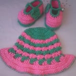 Hat and Booties ~ aamragul - Crochet/Crosia Home