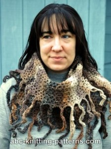 Easy Fringed Infinity Cowl by ABC Knitting Patterns