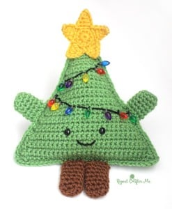 Cuddly Crochet Christmas Tree by Repeat Crafter Me