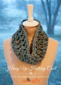 Hurry Up Holiday Cowl by Moogly